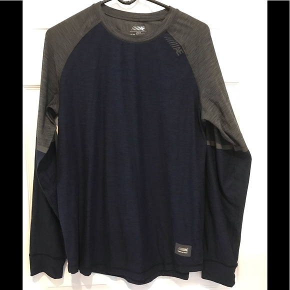 American Eagle Outfitters Other - Men's American Eagle medium t-shirt